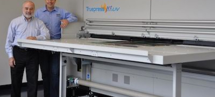 Willamette print blueprint sees huge potential in screen truepress willamette print blueprint executives from left david guzman vice president and neil humphrey president stand with the companys new screen malvernweather Choice Image