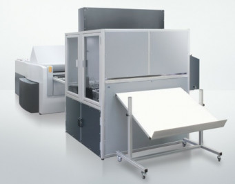 By launching the new Auto Pallet Loaders for the Suprasetter series (APL for the 106 format shown here), Heidelberg is closing one of the last automation gaps in prepress and boosting production reliability.