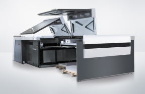 The Auto Pallet Loader for large formats can hold up to 600 plates.