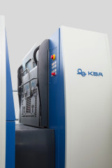 The KBA Rapida 75 PRO with automatic plate changers.