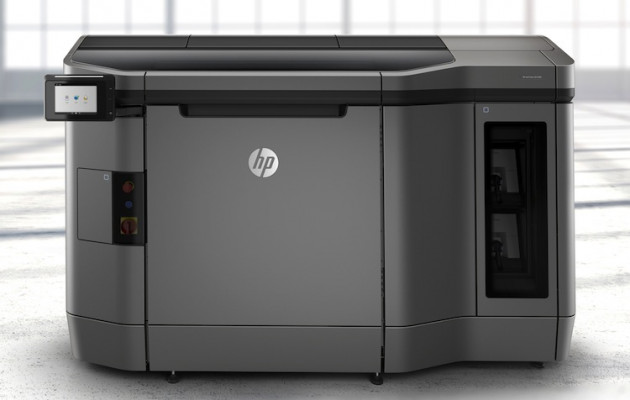 Another view of the HP Jet Fusion 3D 4200 solution.