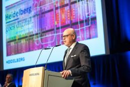 Rainer Hundsdörfer, CEO of Heidelberg, at the AGM for financial year 2016/2017 held at the Congress Center Rosengarten in Mannheim.