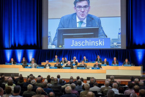 Dr. Siegfried Jaschinski, Chairman of the supervisory board of Heidelberg, at the AGM for financial year 2016/2017 .