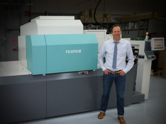 Brad Scull, owner and second generation, Yorke Printe Shoppe, alongside his J Press 720S.