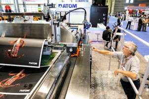 Match Machinery is showing its new ATOM TC-150 Screen Press.