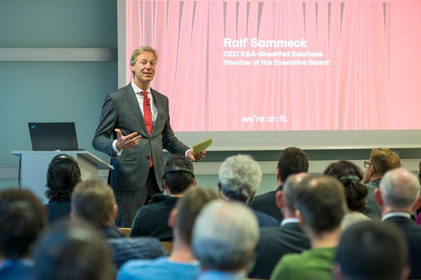 Ralf Sammeck, CEO of KBA-Sheetfed and member of the executive board of Koenig & Bauer AG, invited the international guests to learn more about the company's new offers, products and technologies for commercial and label printers.