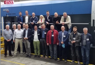 A group of 20 reps from VDMB (Verband Druck- und Medien Bayern) visited Everett Graphics, a Koenig & Bauer customer