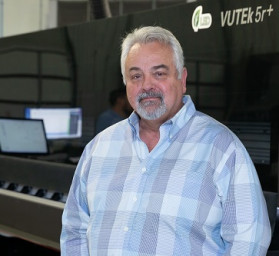 David Clevenger, Parallax Digital Founder, Parallax Digital Goes for Best-in-Class Quality and Productivity with an EFI VUTEk 5r+ Roll-to-Roll Printer