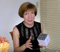 Sabine Lenz, Paper Inspiration #400: Robox - The Poseable Hot-Foil Robot!