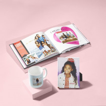 Examples of Shutterfly gifts printed with HP Indigo technology.