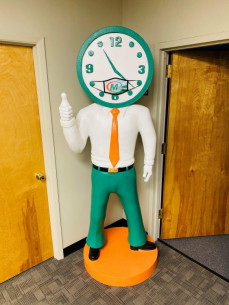 This 8-foot tall Giant Minute Man was sent as a thank you gift cross country by Minuteman Press franchise owner Peter Castorena (Lancaster, CA) to Nick Titus (President) and the team at Minuteman Press International in Farmingdale, NY.