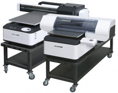 Xanté's X-16 and X-33 UV flatbed signage printers.