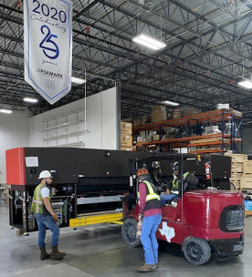 Foxmark Corp. has installed a new EFI VUTEk 5r+UV LED roll-to-roll superwide-format inkjet printer.