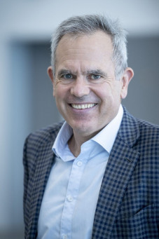 Before joining Koenig & Bauer Durst, Robert Stabler was senior VP at Xerox's Continuous Feed Business, and held previous executive roles at HP and Agfa.