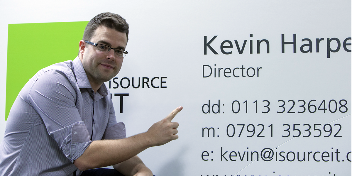 Instantprint Breaks World Record for Biggest Business Card